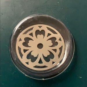 NWT locket plate charm flower